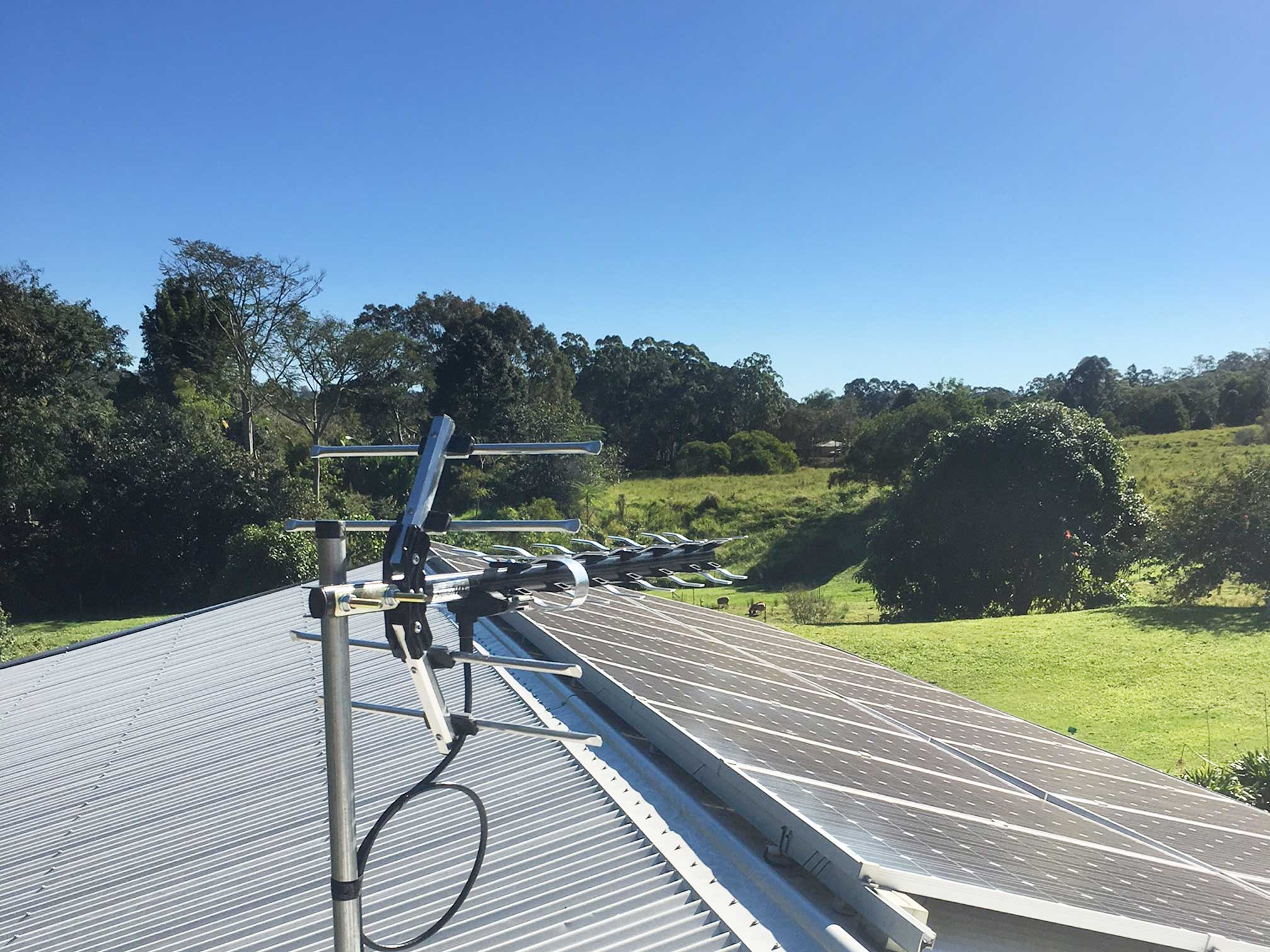 rural-town-country-antenna-installation-1
